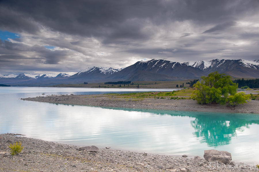 Lake Pukaki and Southern Alps, New Zealand