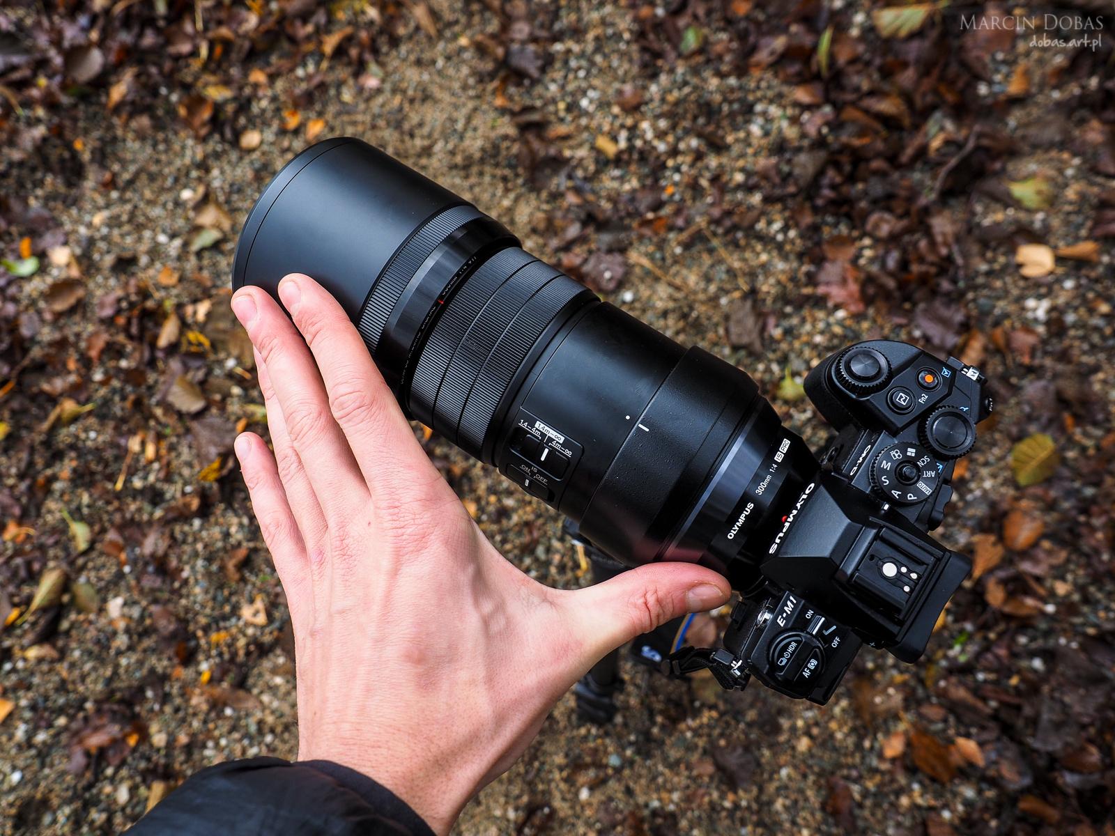 mZD 300 f/4 PRO rozmiar